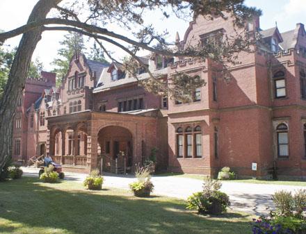 photo: house/residence of  9 million earning Cambridge, Massachusetts, USA-resident