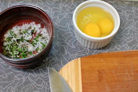 eggs ramekins