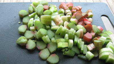 rhubarb tart pieces